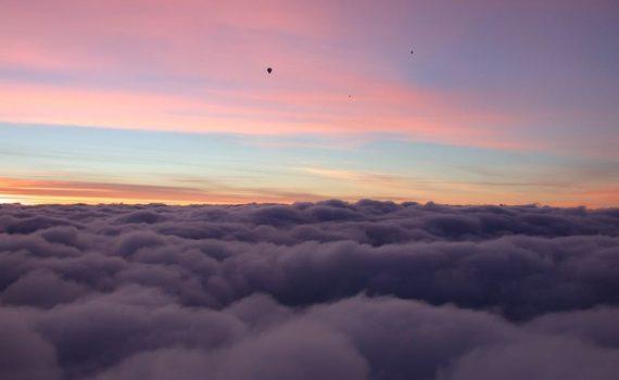 Ballonfahrt romantischer Himmel