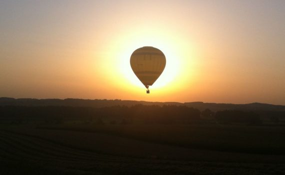 Ballonfahrt Romantik Sonnenuntergang